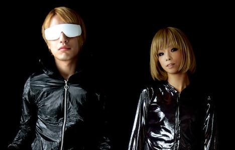 ベストアルバム発売直前にcapsuleは北海道のロックフェス「RISING SUN ROCK FESTIVAL 2009 in EZO」に出演。8月14日に野外ステージMOON CIRCUSでライブを行う。