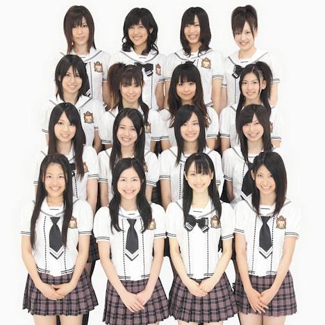 シングル「強き者よ」には通常盤、劇場盤ともにDVDが付属。劇場盤にはビデオクリップ&メイキング、通常盤には特別映像「第一回SKE48 vs AKB48ガチンコバトル」と前田敦子(AKB48)のデビューお祝いコメントが収録される(写真は通常盤ジャケット)。