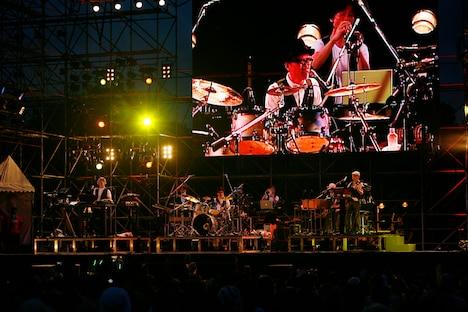 小山田圭吾、高田漣、権藤知彦がゲスト参加したYellow Magic Orchestra。細野はポール・マッカートニーを思わせるヘフナーのヴァイオリンベースを構えて登場し、この日のライブはTHE BEATLESのカバー「Hello, Goodbye」で幕を開けた。