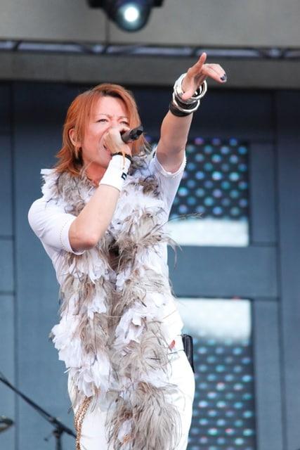 ライブ中、幾度となく「愛してるぜ!」と叫んでいたTERU。オーディエンスもその言葉に応えるように、大きな歓声や拍手を上げ続けた。
