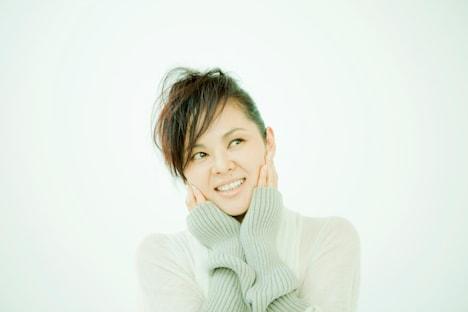 NOKKOは本日8日(金)のフジテレビ系「僕らの音楽」にも登場するなど、テレビ出演ラッシュが続いている。