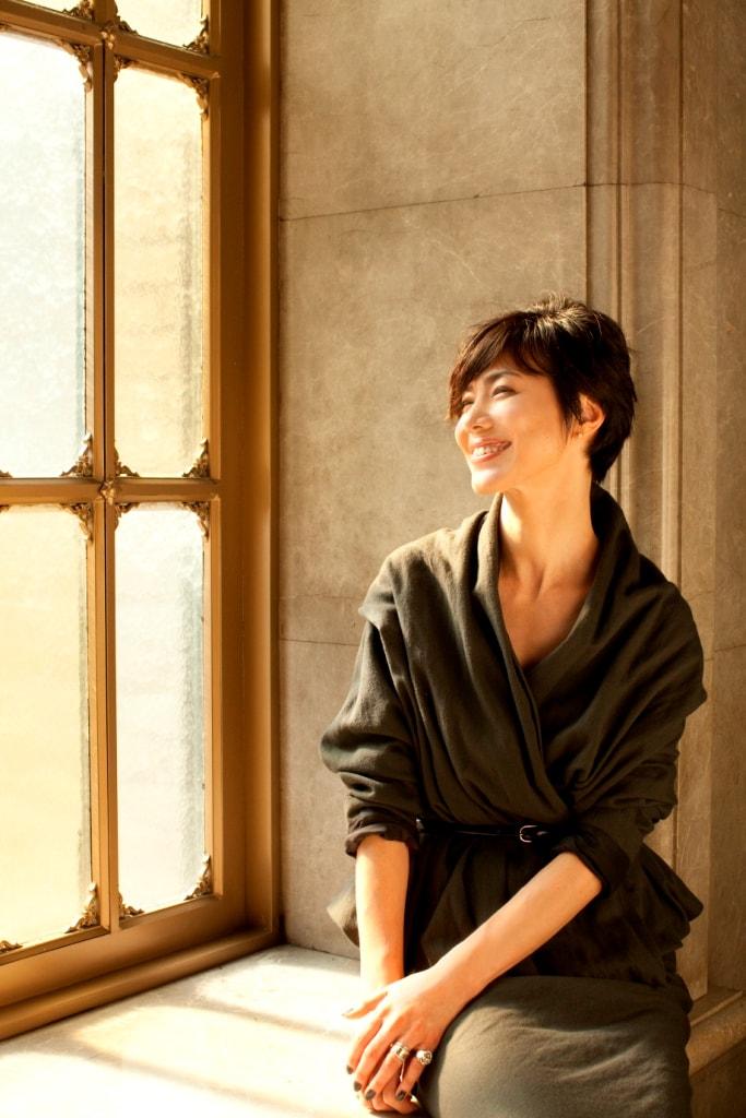 今井美樹は前回、2009年4月に俳優・役所広司からの紹介で出演。友達の輪では旦那である布袋寅泰につなげた。