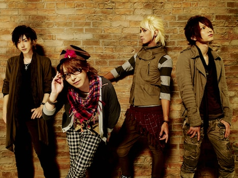 ツアー「Kra LIVE TOUR 2009 幸せの青い鳥~in the sky~」は12月28日には大阪厚生年金会館・芸術ホールでも開催予定。チケットは好評発売中。