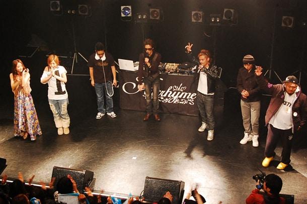 写真は12月21日に開催された、ヒルクライム、CLIFF EDGE、RSPの3組による合同ツアー「JUMP UP LIVE TOUR!vol.1」の東京・Shibuya O-WEST公演の模様。