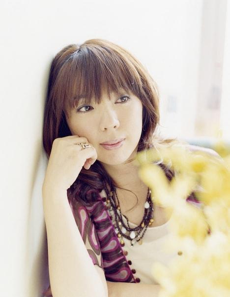 岡本は5月10日にベストアルバム「My Favorites」をリリース。このベスト盤には「そのままの君でいて」は収録されないが、数多くの名曲を楽しめる充実の1枚に仕上がっている。