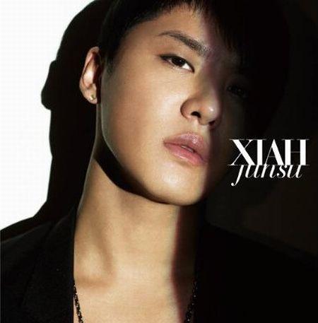 XIAH junsuは同日22日(土)放送のフジテレビ系「MUSIC FAIR」にも出演する(写真はシングル「XIAH」DVD付き仕様ジャケット)。