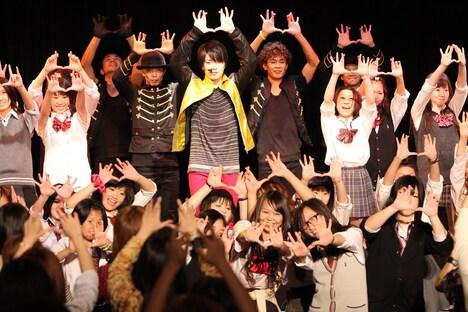 アルバム「I AM ME」はオリコンデイリーチャート7位を記録。イベントではファンから松下に「優也くん、7位おめでとう!」と伝える場面もあった。