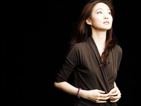 安藤裕子のオフィシャルサイトのトップページでは、新作「JAPANESE POP」の楽曲試聴を実施。「歩く」「問うてる」「私は雨の日の夕暮れみたいだ」「Paxmaveiti ラフマベティ-君が僕にくれたもの-」の4曲を聴くことができる。