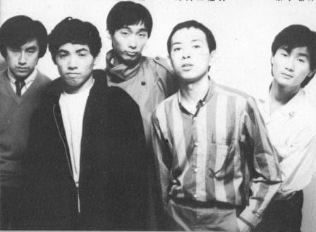 初音ミクによるハルメンズ(写真)カバーアルバムの発売情報は、7月23日に行われたサエキけんぞう(中央)主催イベント「追悼:加藤和彦を語ろう」で発表された。