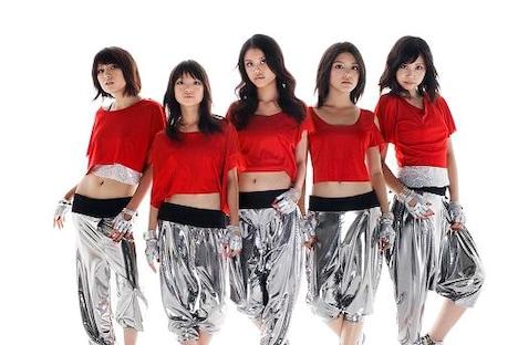 アイドルグループからパフォーマンスガールズユニットへチェンジした9nineの5人。写真左から佐武宇綺、村田寛奈、吉井香奈恵、川島海荷、西脇彩華。