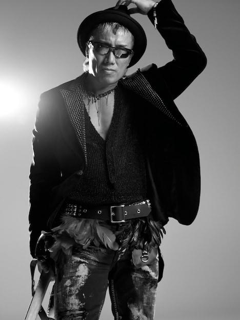 長渕剛はニューアルバム「TRY AGAIN」を携え12月からアリーナツアーを開催する。