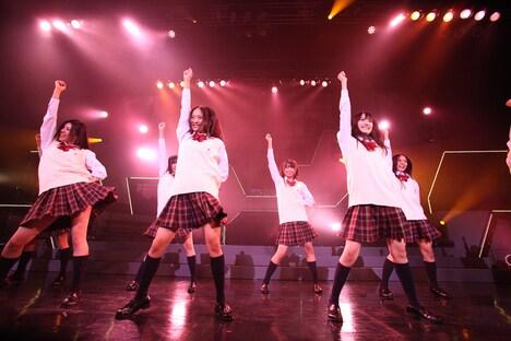 「会いたかった」を披露するSKE48第4期生。(C)SKE48