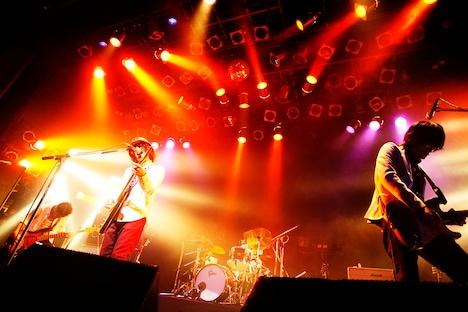 写真は10月13日のライブの様子。