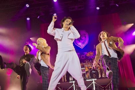 GACKTは今年の夏に行った水着限定ライブ「煌☆雄兎狐塾 ~男女混欲美濡戯祭~」のライブDVDを来年2月にリリース。