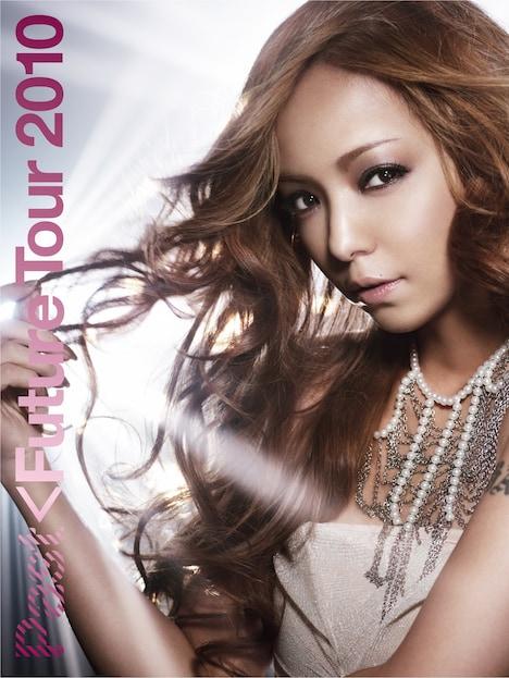 同日12月15日にはこのツアーのライブDVD&Blu-ray「namie amuro PAST<FUTURE tour 2010」もリリースされた(写真はDVD盤ジャケット)。