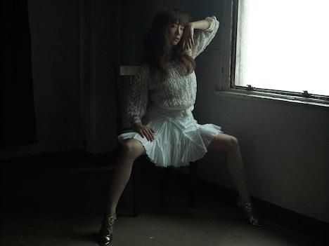 最新シングル「ひみつ」が好評のYUKI。