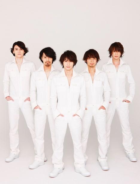 3月3日からはシングル「ライフラリズム」を引っさげたツアーがスタート。並行して福岡、大阪、神奈川、愛知でインストアライブが行われる(写真はHI LOCKATION MARKETS)。