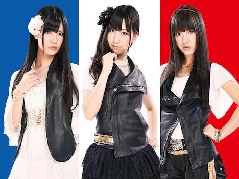 フレンチ・キスが歌うオープニングテーマ「カッコ悪いI love you!」は5月11日にシングルリリース。