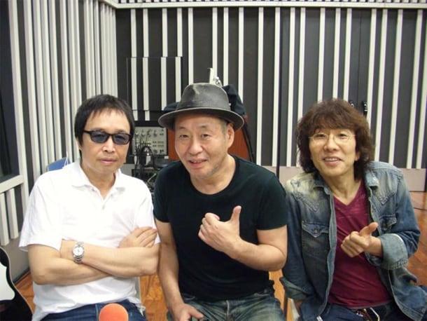 久々の再会であっという間に距離が縮まったという吉田拓郎(左)と泉谷しげる(中央)。そしてパーソナリティのTHE ALFEE坂崎幸之助(右)。