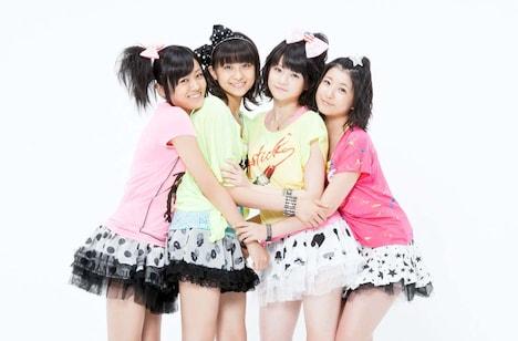 スマイレージは8月14日にサブメンバー5人が加入。つんく♂はこのメンバー増員が小川の卒業を念頭に入れてのものだったことを明かしている。
