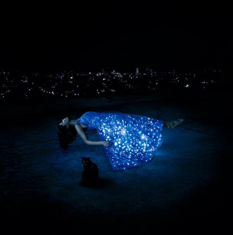 「六等星の夜 / 悲しみはオーロラに / TWINKLE TWINKLE LITTLE STAR」ジャケット