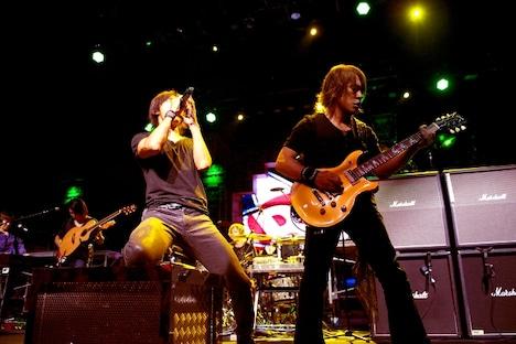 7月の単独公演に続き、再びアメリカでライブを行ったB'z。