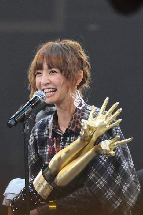 1位に輝いた篠田は涙ながらに「めちゃくちゃうれしいです。素敵なシングルにしたいです!」とコメント。イベントの詳細レポートはのちほどナタリーにて掲載予定。