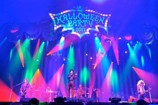「HALLOWEEN PARTY 2011」初日公演の模様。