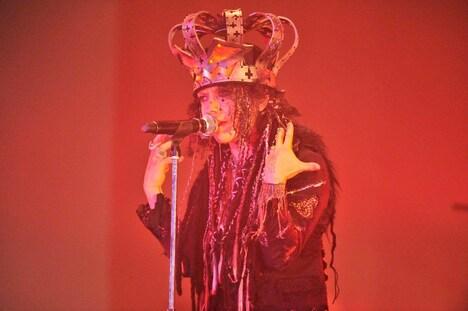 2日目はハロウィンの集大成とも言える仮装で登場したHYDE。