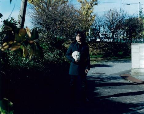 中村一義は本日2月15日にシングル「運命 / ウソを暴け!」をリリース。ナタリーPower Pushではこれについて訊いたインタビューを公開している。