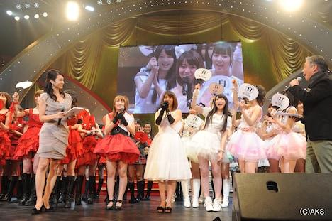 「AKB48紅白対抗歌合戦」の様子。