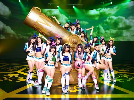 写真はNMB48「純情U-19」選抜メンバー。