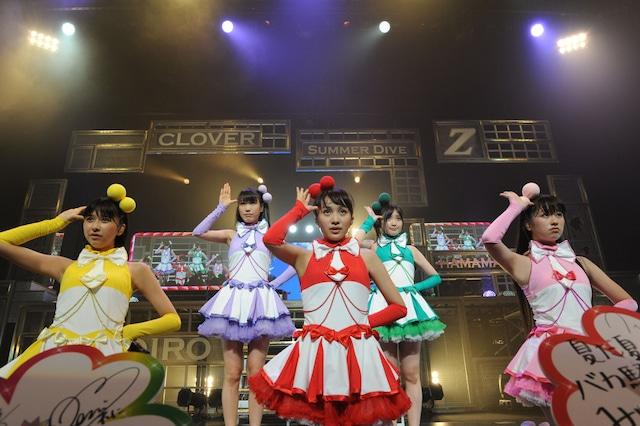 「ももクロ夏のバカ騒ぎ Summer Dive 2012 Tour」アクトシティ浜松公演の様子。