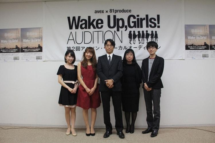 写真左から福原香織、加藤英美里、山本寛、待田堂子、神前暁。