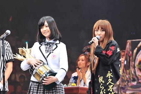 島崎遥香、高橋みなみ(写真左から)