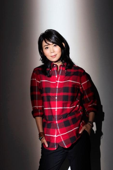 竹内まりやは本日7月3日にニューシングル「Dear Angie ~あなたは負けない / それぞれの夜」をリリース。ナタリーPower Pushでは彼女のロングインタビューを公開している。