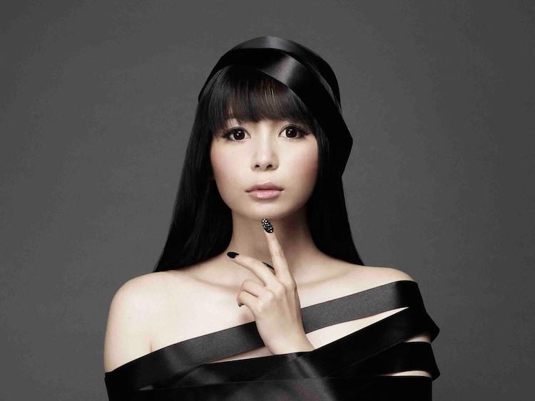 中川翔子は放送当日の6月5日にニューシングル「続 混沌」をリリースする。