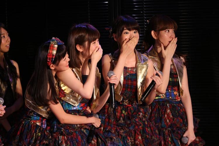 本日5月22日、東京・AKB48劇場での速報結果発表の様子。