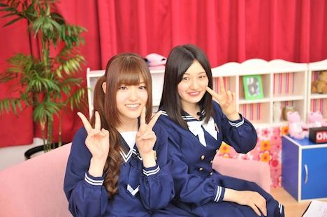松村沙友理、中田花奈(左から)