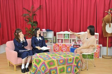 松村沙友理、中田花奈、松下唯(左から)