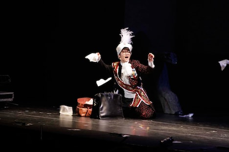 6月2日昼公演の「16人のプリンシパル deux」2幕より、若月佑美。
