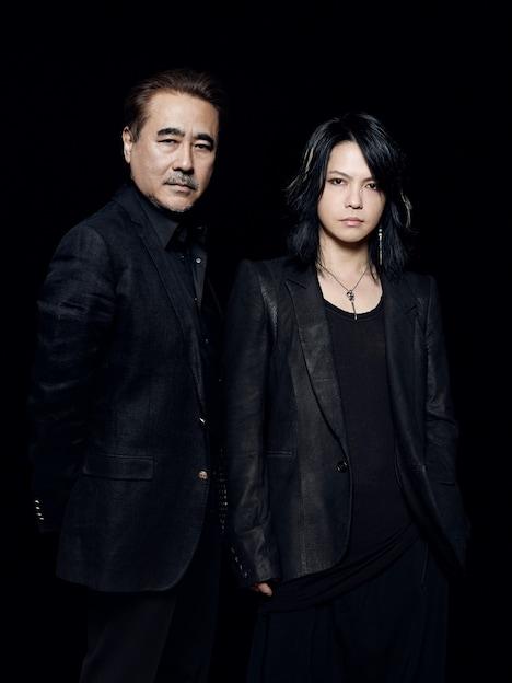 天野喜孝(写真左)とHYDE(右)。