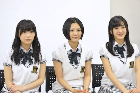 左から指原莉乃、兒玉遥、田島芽瑠(以上HKT48)。