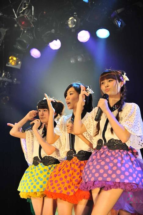 志田友美、小林玲、山田朱莉(左から)。