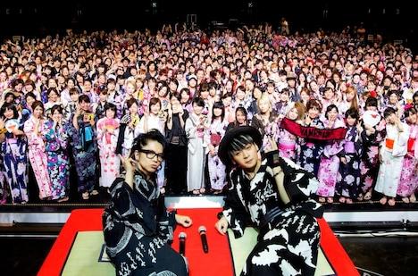 「VAMPS『AHEAD / REPLAY』発売記念~夏だ!浴衣だ!七夕祭り!!~」の様子。(撮影:田中和子)