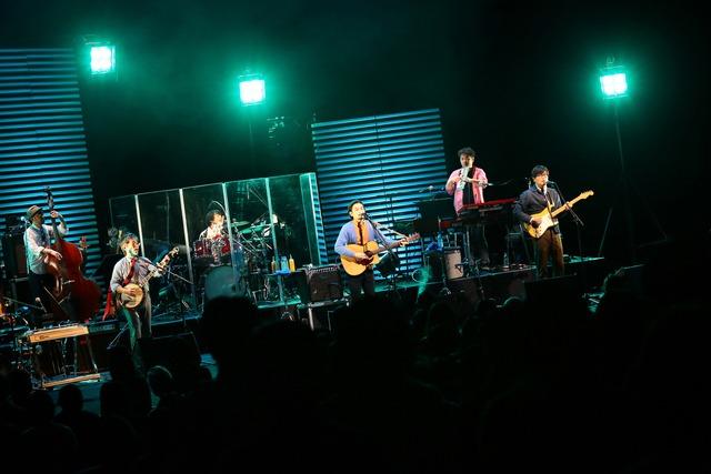 キリンジ「KIRINJI TOUR 2013~LIVE at NHK HALL~」より。