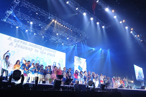 「Animelo Summer Live 2013 -FLAG NINE-」初日8月23日公演のエンディングの様子。(c)Animelo Summer Live 2013/MAGES.