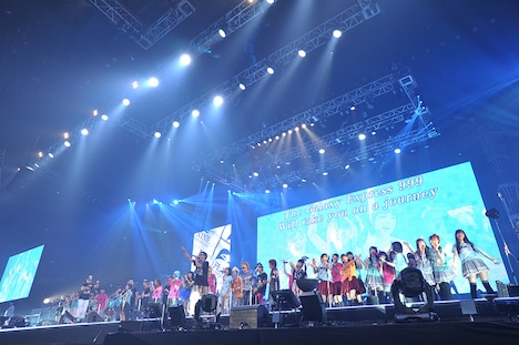 「Animelo Summer Live 2013 -FLAG NINE-」2日目8月24日公演のエンディングの様子。(c)Animelo Summer Live 2013/MAGES.