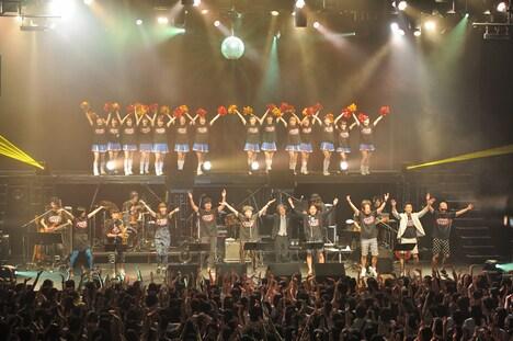 「YANO MUSIC FESTIVAL 2013」エンディングの様子。