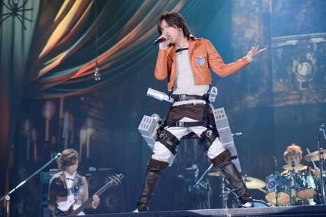 特注の衣装で観客を驚かせたDAIGO。(撮影:緒車寿一、田中和子)